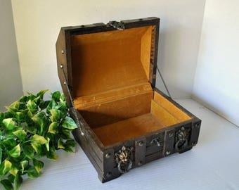 Vintage Wooden Pirate Treasure Chest Jewelry Box, Rustic Keepsake Wood Box with Medieval Metal Lion Head Knockers
