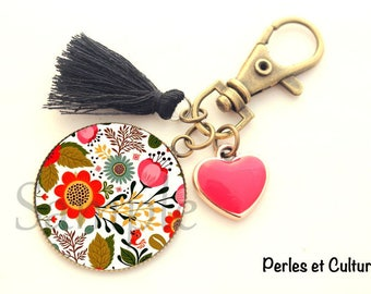Folk art motif flower Keyring folk cabochon black and Red tassel