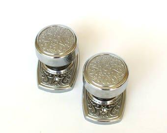 Set of 2 vintage door knobs. Silver tone door lock for one door. Ornate shiny door knobs. Russian door pull handles. Unused door handles.