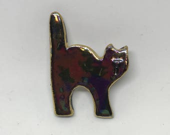 Small black Halloween cat pin