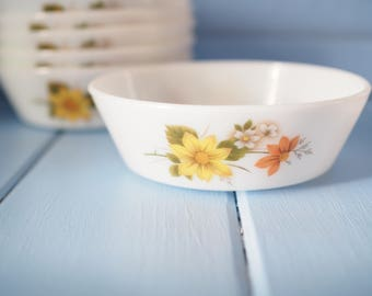 Vintage milk glass bowls