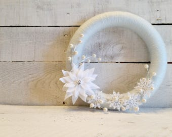 Christmas Wreath | Winter Wreath | Yarn Wrapped Wreath | Snowflake Wreath | Indoor Wreath