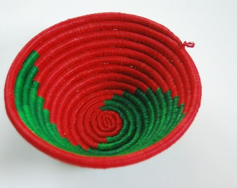 AFRICAN BASKET / Handwoven Sisal / Small / Green and Red
