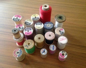 19 Wooden Spools of Thread