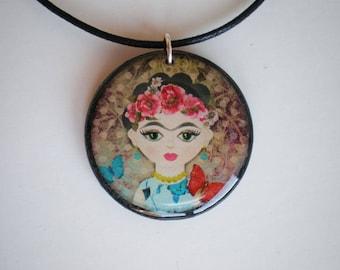 Frida Kahlo pendant - Frida Kahlo - Resin pendant - Art pendant - Gift for her - Gift idea - Woman gift - Printed artwork