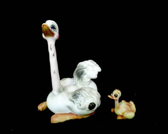 Ostrich Figurine, Josef Originals, Ostrich and Chick, Sticker Still Attached