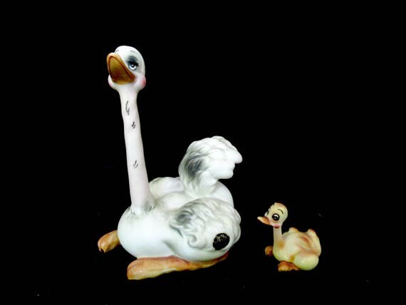 Ostrich Figurine, Josef Originals, Ostrich and Chick, Sticker Still Attached