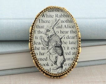 The White Rabbit / Alice in Wonderland Pin / Alice in Wonderland Brooch /  Alice in Wonderland Jewelry / Book Lover Gifts / Book Jewelry