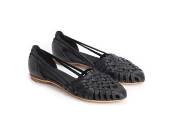 Black Sandals , Woven Sandals ,  Huarache , Leather Sandals, Women's Sandals ,Slip Ons, Womens Shoes, Flats , Summer Flats // Free Shipping