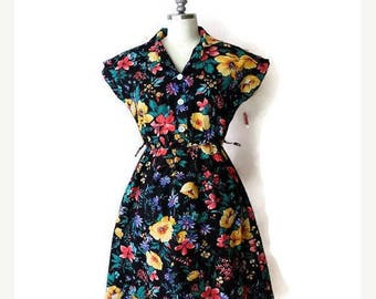 ON SALE Vintage Black x Floral printed Short sleeve Dress/Casual dress from 1980's *