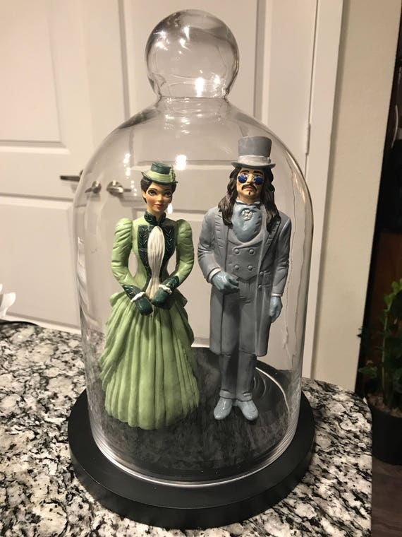 Mina and Dracula Figures in Glass Dome