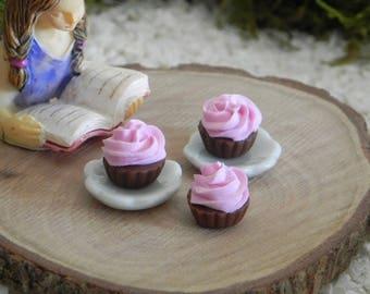 Miniature Cupcake Plate, fairy garden miniatures, valentine's miniature, dollhouse supply, miniature supplies accessories, resin cake