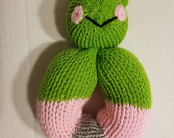 Knitted frog stuffed toy