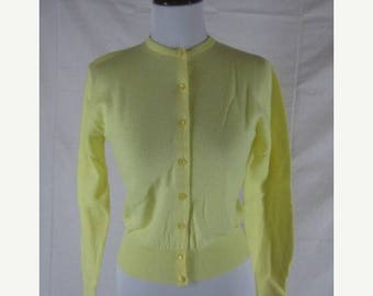 Summer sale Vtg 50s 60s Garland Yellow NOS Dead Stock Wool Vintage Cardigan Sweater W34