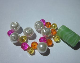 19 round faceted beads and tube glass 4-15 mm (Y28)
