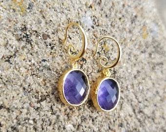 Gold faceted oval Amethyst glass with hammered bezel earrings