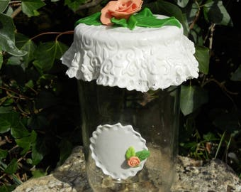 Pot décoré rose et dentelle en porcelaine froide