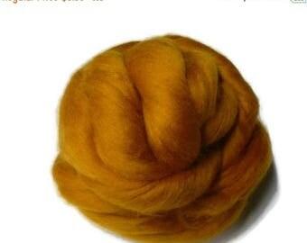 SALE Superfine merino wool roving 19 microns,4oz,colour: Saffron