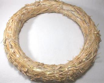 1 straw wreath, 30 cm, 4 cm thick  (307)