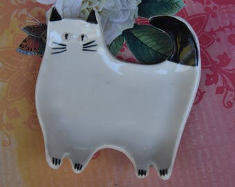 Siamese cat spoon rest. Siamese cat jewelry holder. Cat spoon rest. Ceramic cat plate. Cat soap holder. Cat ring holder. Jewelry holder.