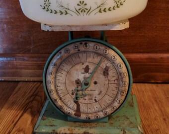 Vintage white Glasbake Green Daisy Pattern - round casserole