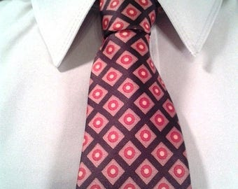 HAPPY SUMMER SALE Vintage Brown Tie with Red Geometric Pattern from Hess's