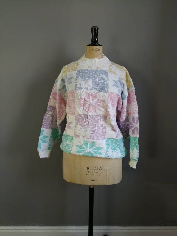 80s pastel snowflake jumper / 80s winter knit / Christmas sweater / pastel ski sweater / 80s pastel sweater / women's snowflake jumper