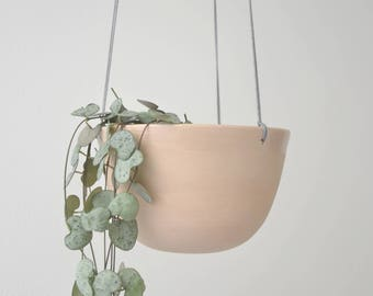 Hanging planter in soft pink