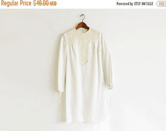SALE 1960's White Southwest Dress // Small to Medium Sunday Shift Dress // Vintage Women's Clothing
