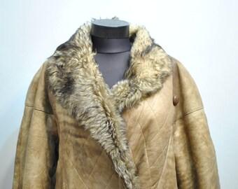 Vintage SHEARKLING LAMBSKIN COAT , women's winter coat...................(630)