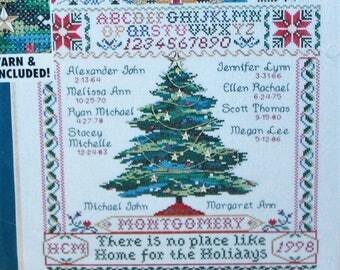 Bucilla counted cross stitchHoliday Family Tree  kit 84022 1998 New