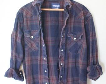 vintage wrangler navy blue plaid western cut lumberjack flannel shirt