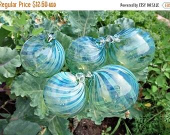 ON SALE NOW Hand Blown Glass Christmas Ornament Garden Sun Catcher-Green Twist