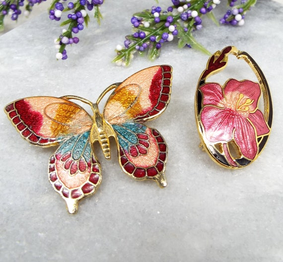 Vintage / Set of 2 Gold Tone Cloisonne Enamel Pink Brooches - Butterfly and Fuchsia Flower