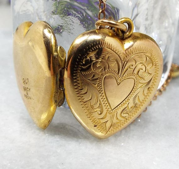 Vintage / Art Deco 9ct Gold Ornate Engraved Love Heart Locket Necklace Chain