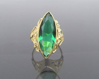 Vintage 18K Solid Yellow Gold Marquise cut Emerald Ring Size 7.5