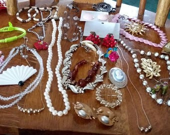 Vintage to new 28 pc all wearable jewelry lot A