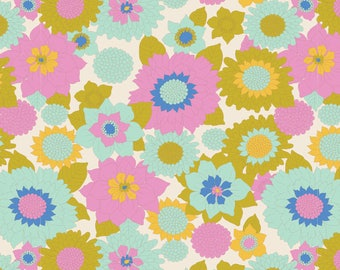 USA!  TILDA The LEMON Tree Fabric Collection 1 Yard Boogie Flower in White