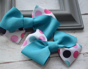 Pair turquoise polka dot bow barrettes / hair clips / pigtail clips / pony tail clips / wedding bows / flowergirl bows / birthday bows