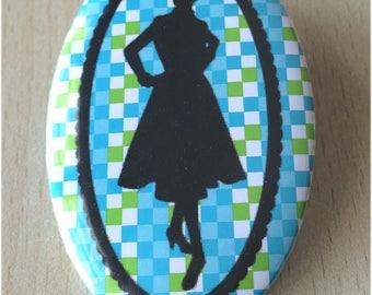 badge / brooch vintage silhouette fashion 26