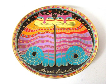 "Vintage Laurel Burch Cat Plate 1995 Franklin Mint ""Friendly Family"" rainbow cats by Laurel Burch 8"" Plate 2 Cats"