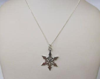 Vintage Sterling silver Snowflake Necklace W #652