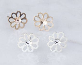 Daisy Flower Stud Earring Component in Silver or Gold Filled, Small or Large Daisy Flower Earrings, Gold Flower Studs, GFER137