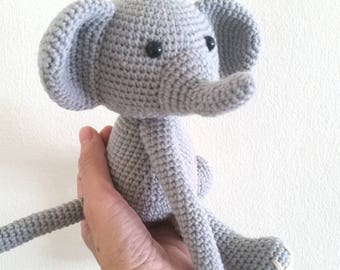 1 Elephant Crochet curtain tie back,  Handmade Elephant curtain tie back. Nursery tie backs.  MADE TO ORDER***