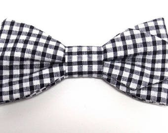 Bow tie black gingham with sharp edges