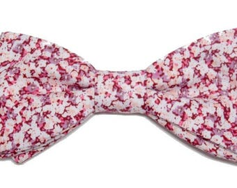 Red floral bowtie with straight edges