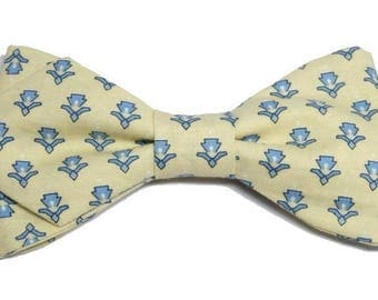 Provence bowtie cream calissons sky blue, with sharp edges