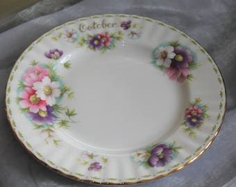 Royal Albert October Plate. Perfect for Collectors.  Cosmos Pattern