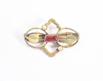 Vintage Antique Gold Gilt Red Stone Brooch Small Pin Estate Jewelry