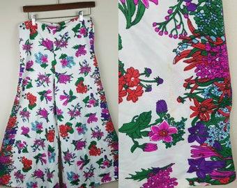 1970s 1980s wide leg capris or pants floral